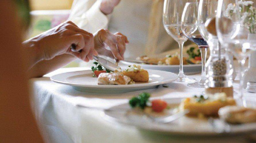 https://www.ragusanews.com//immagini_articoli/15-06-2019/in-sicilia-e-boom-di-ristoranti-500.jpg