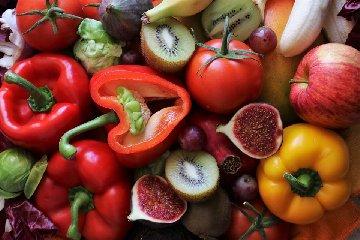 https://www.ragusanews.com//immagini_articoli/15-06-2019/la-dieta-che-abbronza-i-cibi-da-portare-a-tavola-240.jpg