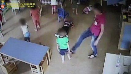 https://www.ragusanews.com//immagini_articoli/15-06-2019/maltrattata-i-bambini-arrestata-insegnante-di-ragusa-240.jpg