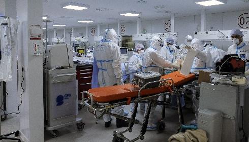 https://www.ragusanews.com//immagini_articoli/15-06-2021/ischemia-dopo-vaccino-j-j-54enne-grave-a-bari-280.jpg