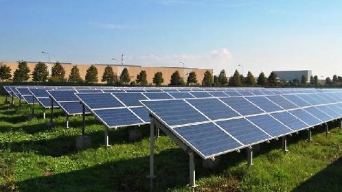 https://www.ragusanews.com//immagini_articoli/15-06-2021/pannelli-solari-al-posto-dei-campi-pagano-fino-a-30mila-euro-l-ettaro-280.jpg