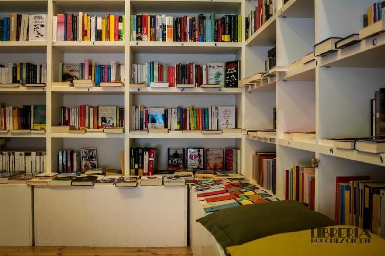 http://www.ragusanews.com//immagini_articoli/15-07-2014/i-premiati-dalla-libreria-don-chisciotte-500.jpg
