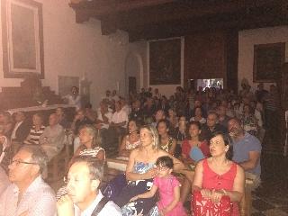 https://www.ragusanews.com//immagini_articoli/15-07-2017/1500142799-mistero-trittico-ragusa-1-240.jpg