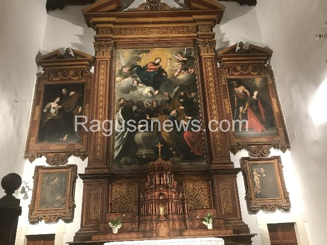 https://www.ragusanews.com//immagini_articoli/15-07-2017/mistero-trittico-ragusa-500.jpg