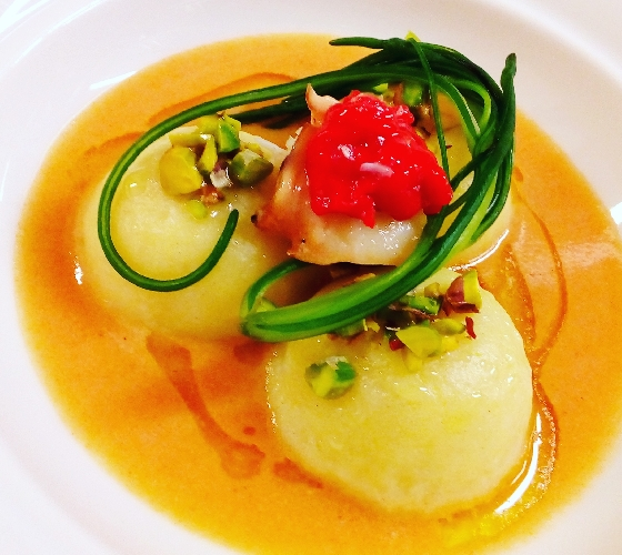 https://www.ragusanews.com//immagini_articoli/15-07-2017/piatti-chef-vincenzo-candiano-500.jpg