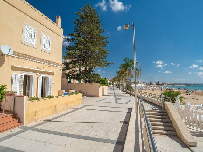 https://www.ragusanews.com//immagini_articoli/15-07-2018/marina-ragusa-euro-settimana-vacanza-500.jpg