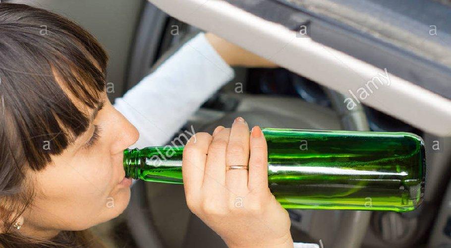 https://www.ragusanews.com//immagini_articoli/15-07-2019/pozzallo-denunciata-donna-ubriaca-guida-500.jpg