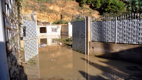 https://www.ragusanews.com//immagini_articoli/15-07-2021/condono-edilizio-in-sicilia-una-villa-di-350-mq-al-giorno-abusiva-280.jpg