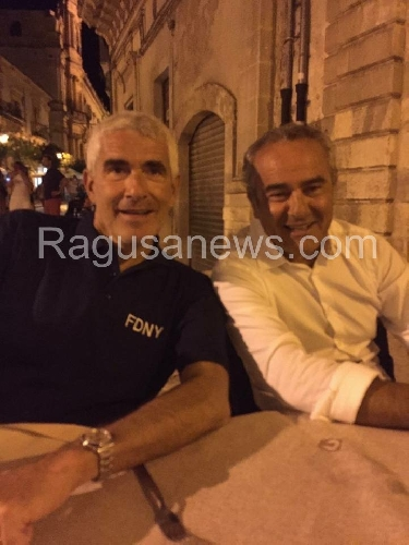 http://www.ragusanews.com//immagini_articoli/15-08-2015/pierre-casini-a-cena-a-scicli-con-l-on-ragusa-500.jpg
