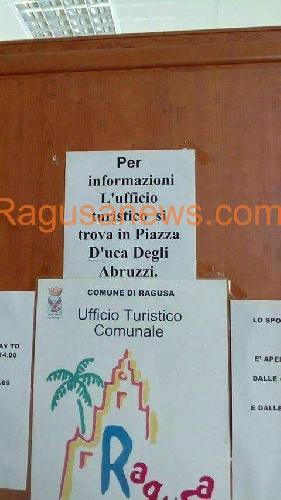 https://www.ragusanews.com//immagini_articoli/15-08-2017/turisti-info-andate-piazza-duca-500.jpg