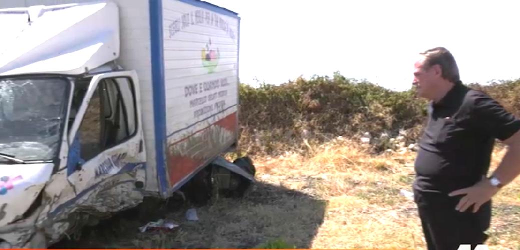 https://www.ragusanews.com//immagini_articoli/15-08-2019/marcello-dei-gelati-ho-comprato-un-furgone-500.png
