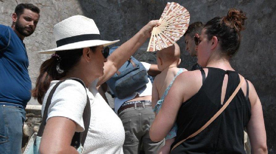 https://www.ragusanews.com//immagini_articoli/15-08-2019/sicilia-sentite-caldo-dopo-ferragosto-piu-sei-gradi-500.jpg