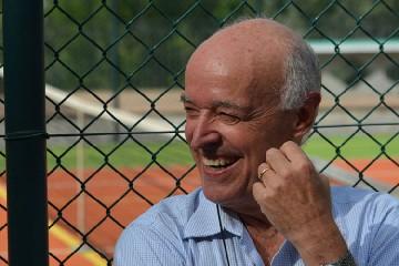 https://www.ragusanews.com//immagini_articoli/15-08-2020/l-uomo-del-tennis-innamorato-di-donnalucata-240.jpg