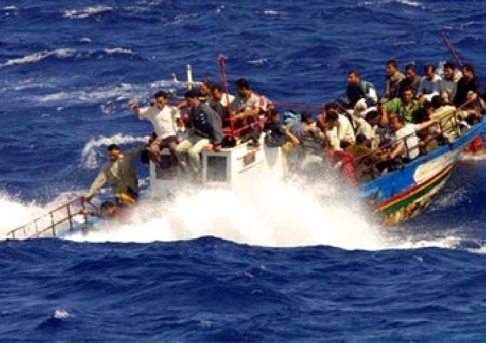 http://www.ragusanews.com//immagini_articoli/15-09-2014/gli-scafisti-hanno-affondato-il-barcone-500.jpg