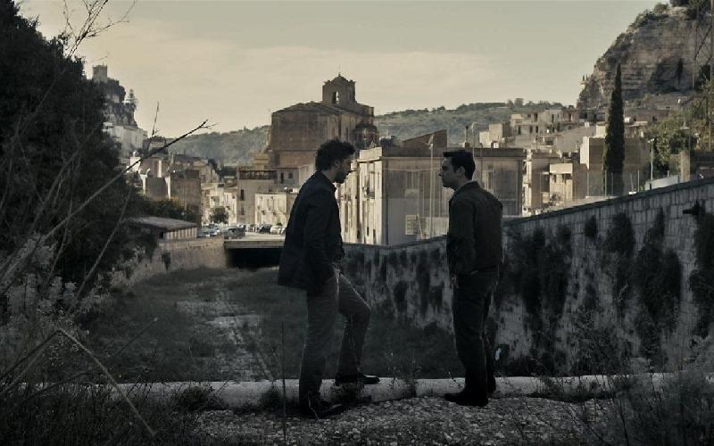https://www.ragusanews.com//immagini_articoli/15-09-2015/giovane-montalbano-un-errore-aver-girato-in-autunno-500.jpg