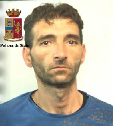 https://www.ragusanews.com//immagini_articoli/15-09-2016/ragusa-arrestati-per-furto-salvatore-cirica-e-franco-mormina-420.jpg