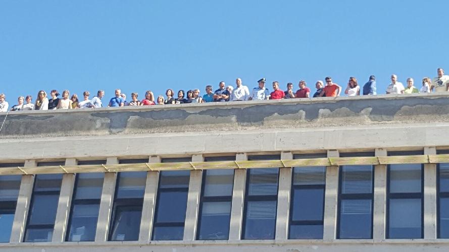 https://www.ragusanews.com//immagini_articoli/15-09-2017/protesta-dipendenti-provincia-salgono-tetto-500.jpg