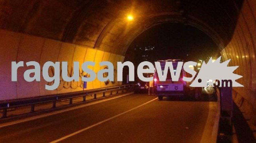 https://www.ragusanews.com//immagini_articoli/15-09-2018/incidente-moto-muore-peppe-vona-500.jpg
