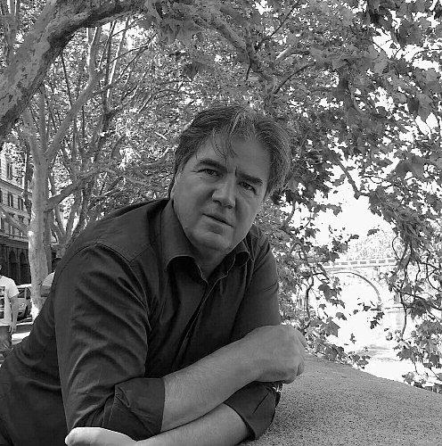 https://www.ragusanews.com//immagini_articoli/15-09-2018/santo-ricco-francesco-fratantonio-scrittore-500.jpg