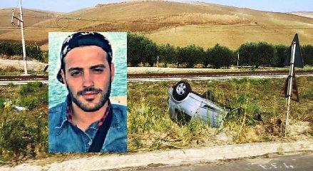 https://www.ragusanews.com//immagini_articoli/15-09-2019/finisce-con-l-auto-in-una-scarpata-muore-alfonso-taglialavoro-24-anni-240.jpg
