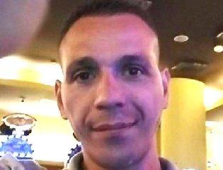 https://www.ragusanews.com//immagini_articoli/15-09-2019/lo-arrestano-si-lancia-finestra-questura-lo-ri-arrestano-240.jpg