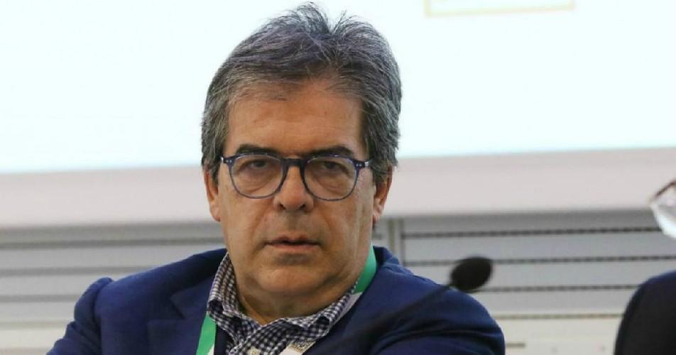 https://www.ragusanews.com//immagini_articoli/15-09-2020/buco-di-bilancio-catania-bianco-condannato-a-risarcimento-e-interdetto-500.jpg