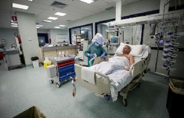 https://www.ragusanews.com//immagini_articoli/15-09-2020/contagi-in-sicilia-77-in-piu-240.jpg