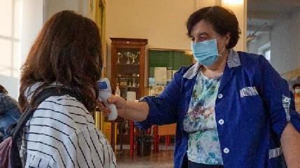 https://www.ragusanews.com//immagini_articoli/15-09-2020/contagio-in-una-scuola-di-palermo-240.jpg
