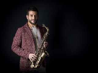 https://www.ragusanews.com//immagini_articoli/15-09-2020/francesco-cafiso-suona-insieme-alla-tjo-tchaikovsky-jazz-orchestra-240.jpg