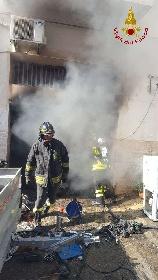 https://www.ragusanews.com//immagini_articoli/15-09-2021/1631701944-ispica-fuoco-in-garage-i-pompieri-di-modica-evitano-il-peggio-foto-2-280.jpg