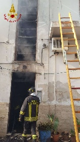https://www.ragusanews.com//immagini_articoli/15-09-2021/1631701951-ispica-fuoco-in-garage-i-pompieri-di-modica-evitano-il-peggio-foto-7-280.jpg