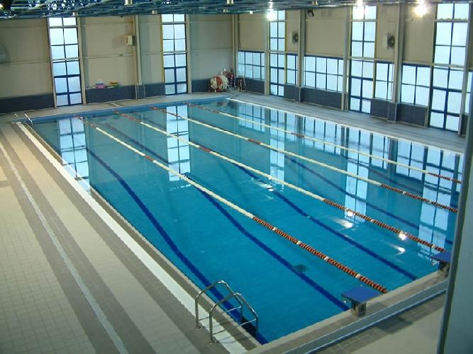 https://www.ragusanews.com//immagini_articoli/15-10-2010/la-piscina-al-busacca-500.jpg