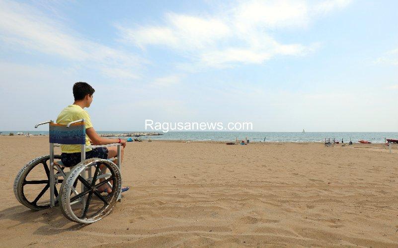 https://www.ragusanews.com//immagini_articoli/15-10-2019/la-mia-vita-sedia-a-rotelle-difficile-ma-pur-una-figata-500.jpg