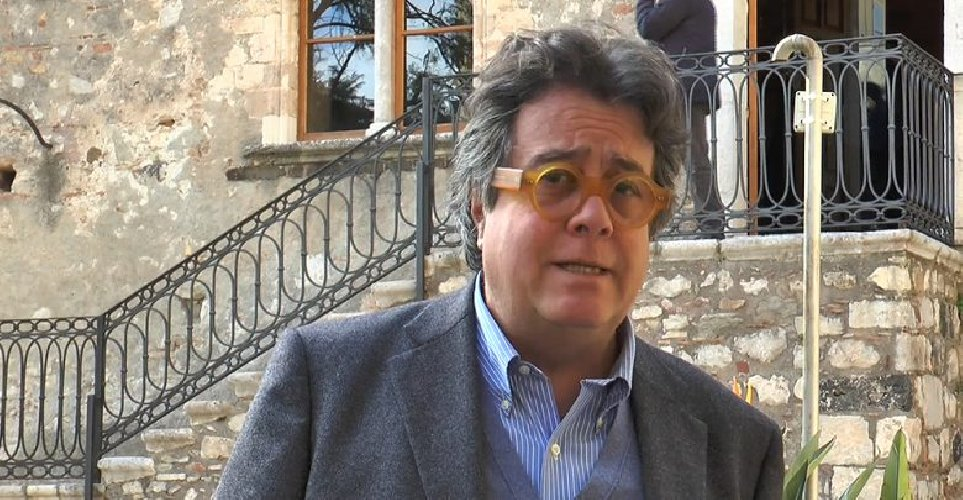 https://www.ragusanews.com//immagini_articoli/15-10-2019/venerdi-i-funerali-di-sebastiano-tusa-500.jpg