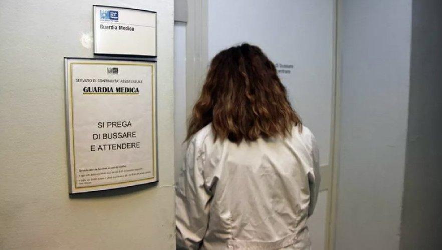 https://www.ragusanews.com//immagini_articoli/15-10-2020/botte-alla-dottoressa-della-guardia-medica-notturna-500.jpg