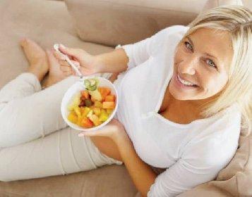 https://www.ragusanews.com//immagini_articoli/15-10-2020/dieta-e-menopausa-lo-schema-per-dimagrire-7-chili-280.jpg
