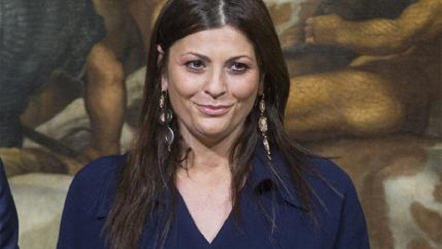 https://www.ragusanews.com//immagini_articoli/15-10-2020/e-morta-la-governatrice-della-calabria-jole-santelli-500.jpg