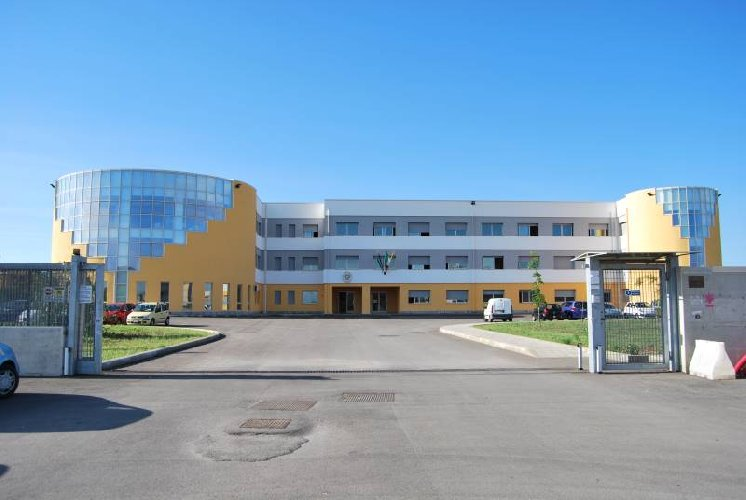https://www.ragusanews.com//immagini_articoli/15-10-2020/positivo-uno-studente-del-liceo-classico-classe-in-quarantena-500.jpg