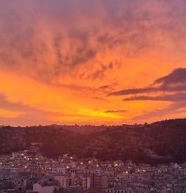 https://www.ragusanews.com//immagini_articoli/15-10-2021/meteo-le-previsioni-del-weekend-nel-ragusano-280.jpg