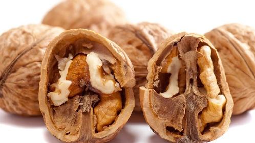 https://www.ragusanews.com//immagini_articoli/15-10-2021/quando-mangiare-le-noci-per-abbassare-l-indice-glicemico-280.jpg