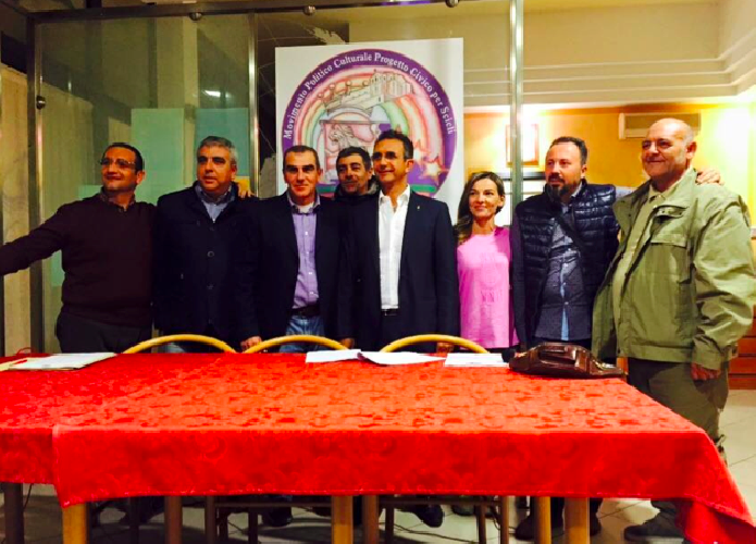 http://www.ragusanews.com//immagini_articoli/15-11-2015/carmelo-vanasia-candidato-sindaco-di-scicli-500.png