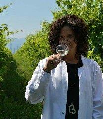 https://www.ragusanews.com//immagini_articoli/15-11-2018/bottega-degustazioni-spumanti-prosecchi-ragusa-siracusa-240.jpg