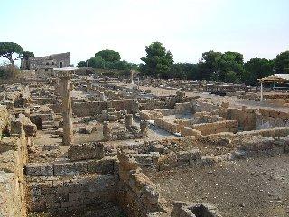 https://www.ragusanews.com//immagini_articoli/15-11-2018/parla-agrigento-romana-corso-archeologia-240.jpg
