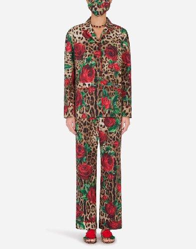 https://www.ragusanews.com//immagini_articoli/15-11-2020/1605458472-pigiama-la-divisa-dell-autunno-2020-3-500.jpg
