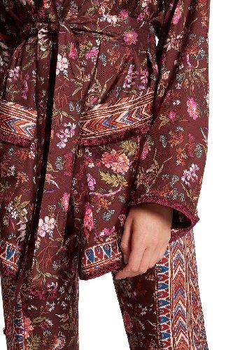 https://www.ragusanews.com//immagini_articoli/15-11-2020/1605543103-pigiama-la-divisa-dell-autunno-2020-8-500.jpg