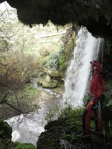 http://www.ragusanews.com//immagini_articoli/15-12-2015/geositi-carsici-iblei-valle-del-tellesimo-e-conca-del-salto-500.jpg