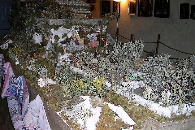 http://www.ragusanews.com//immagini_articoli/15-12-2016/presepi-caratteristici-alla-casa-museo-di-antonino-uccello-420.jpg