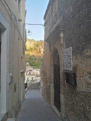 https://www.ragusanews.com//immagini_articoli/15-12-2019/1576417843-castello-di-modica-e-dintorni-luoghi-di-poesia-5-240.jpg