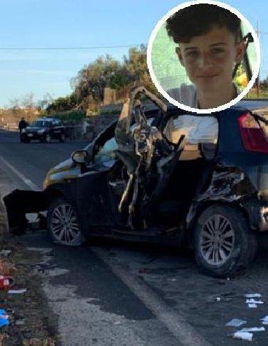 https://www.ragusanews.com//immagini_articoli/15-12-2019/auto-muretto-muore-un-16enne-tre-feriti-due-gravi-500.jpg