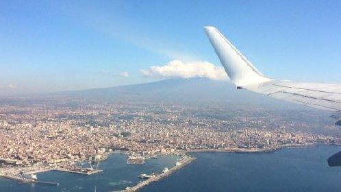 https://www.ragusanews.com//immagini_articoli/15-12-2020/sicilia-musumeci-2500-arrivi-in-aereo-si-ma-al-giorno-280.jpg